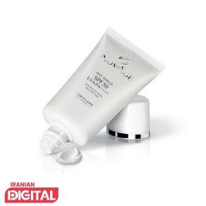 کرم چند کاره، طراحی شده برای محافظت از پوست و مقابله با بروز نشانه های پیری و ایجاد شفافیت و پاکی پوست از آلودگی زیست محیطی و جلوگیری از دهیدراته شدن پوست. این کرم با داشتن محافظ های قوی مانند یک پوست دوم بر روی پوست شما عمل میکند. همچنین محافظت بینظیری در برابر اشعه های آفتاب و آلودگیها و هرگونه اثرات مخرب آنها بر پوست میکند.