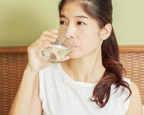 مصرف آب برای مراقبت پوست